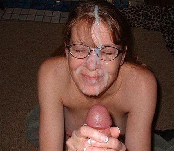 Annonce rencontre amateur avec une femme à lunettes